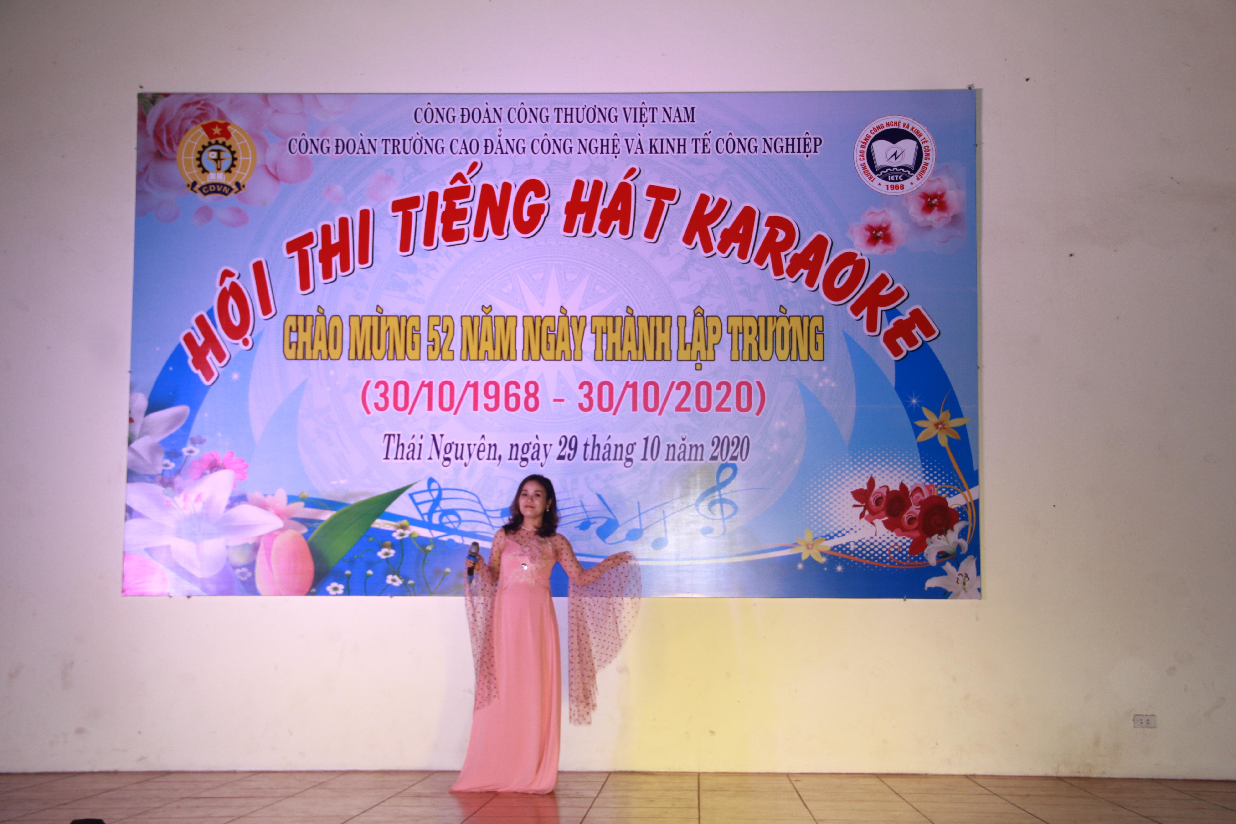 Hội thi tiếng hát Karaoke năm 2020 tại trường IETC